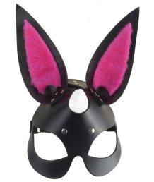 Чёрная маска зайки с пушистыми розовыми ушками