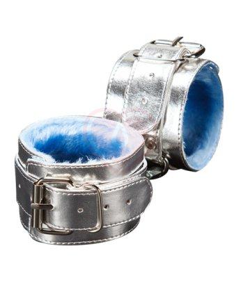 Наручники с голубым мехом внутри на 1 ремешке Sitabella серебряные